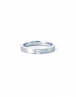 Anillo de oro blanco con un diamante de 0.10 quilates
