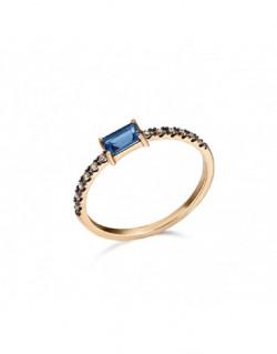 Anillo de oro rosa con topacio london azul y  diamantes de 0.096 quilates