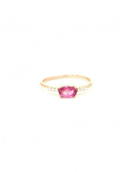 Anillo de oro rosa con turmalina y diamante