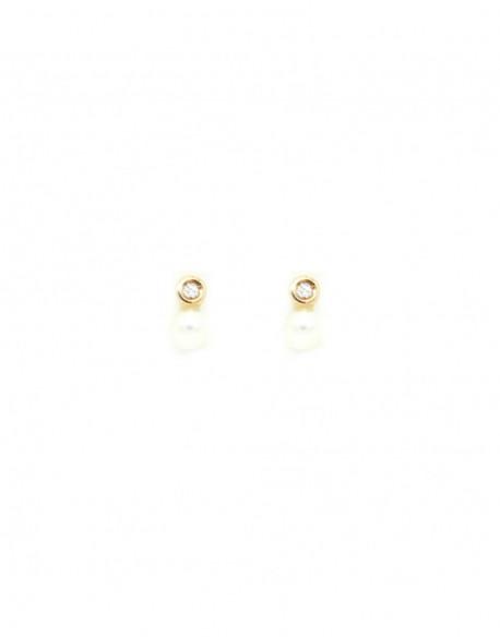 Pendientes de oro amarillo con perla y dos diamantes de 0.02 quilates